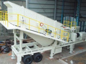 MOP Inclined Vibrating Screen on Portable Plant